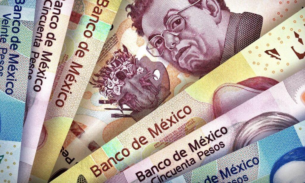¿Por qué los mexicanos se aferran a usar efectivo?