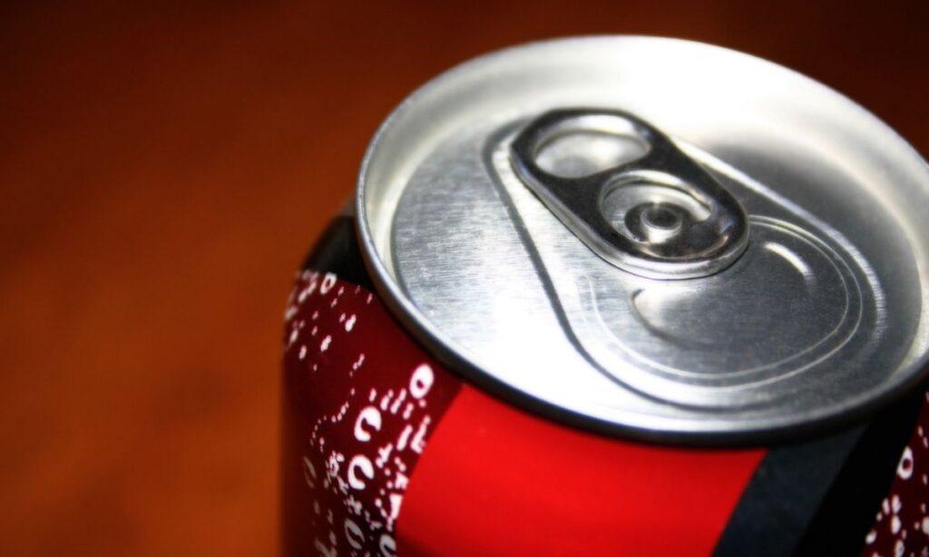 Prohibir refrescos para controlar obesidad