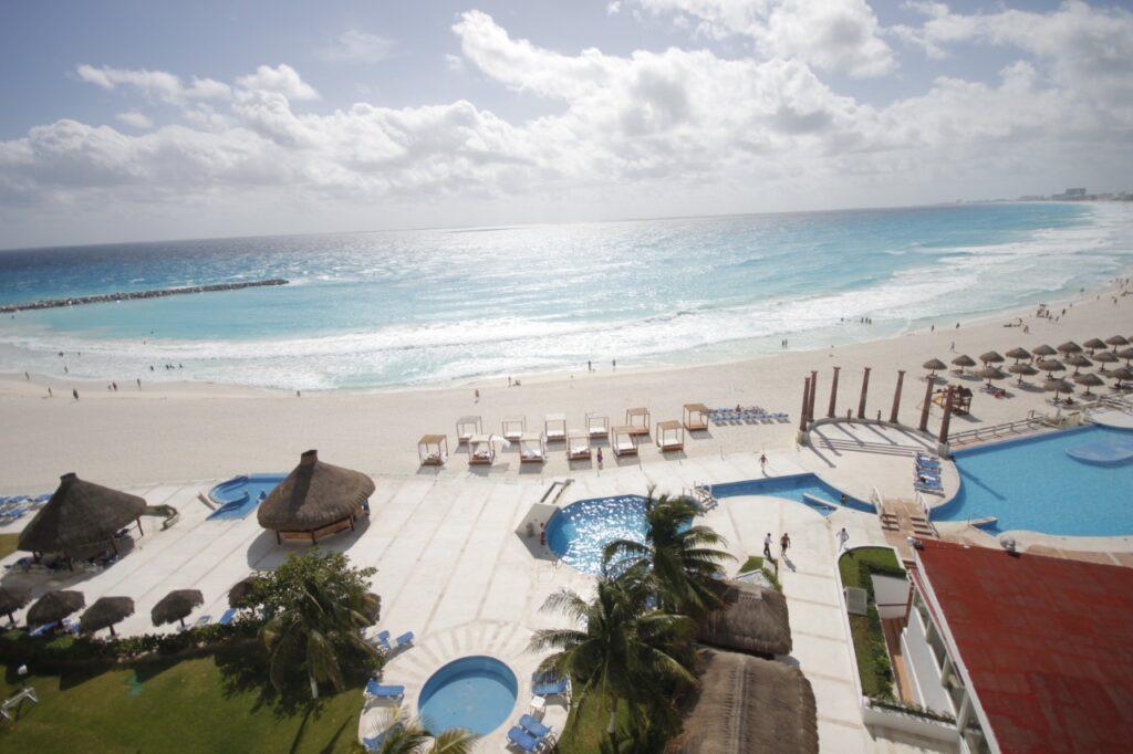 Quintana Roo: listo para atender turistas que lleguen y requieran pruebas de COVID-19