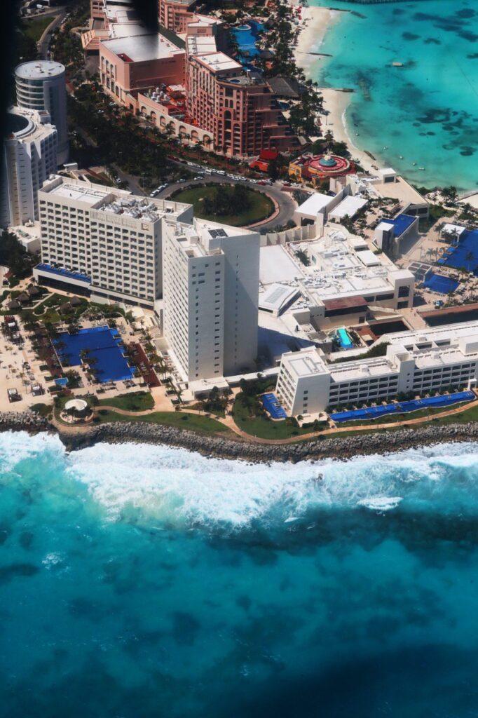 Disminución de plásticos innecesarios en el sector hotelero y turístico de Quintana Roo