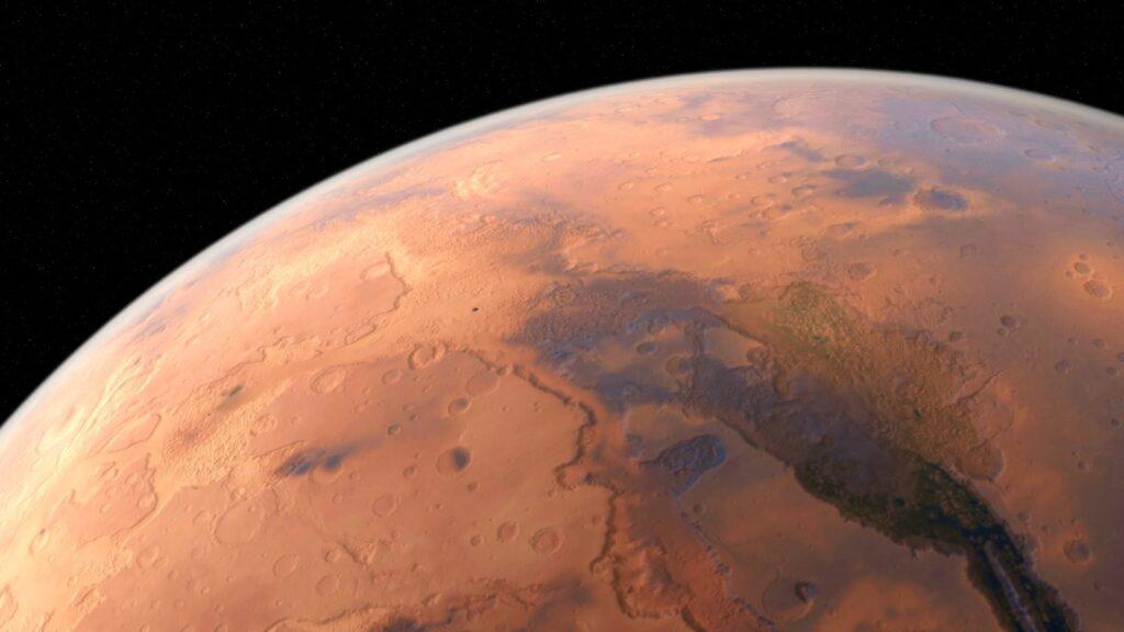 Líneas en Marte podrían ser creadas por agua salada provocando deslizamientos de tierra