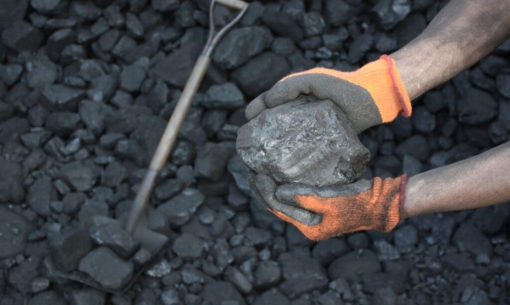 ¿Cómo es que las mineras apenas si pagan impuestos?