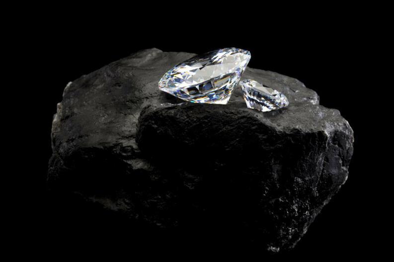 Alquimistas modernos convierten el CO2 del aire en diamantes