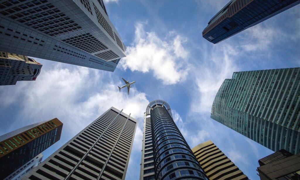 SCJN: Bancos deben reembolsar retiros no reconocidos